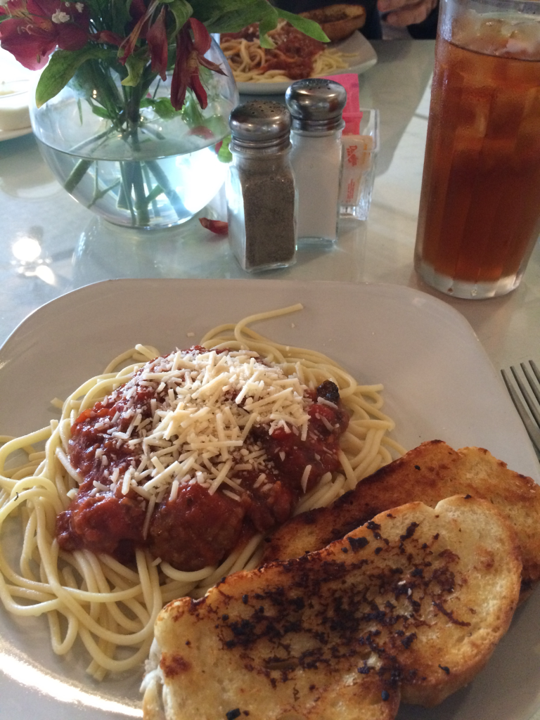 Elizabeth'sSpaghettiAndTable
